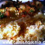Pollo a la criolla acompañado de arroz con zanahoria