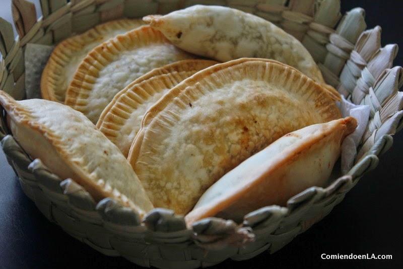 Receta de Empanadas con carne y Chipotle Sauce