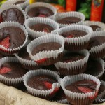 Pastelitos de aceite de oliva y chocolate negro con fresas
