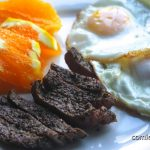 Huevos con Steak
