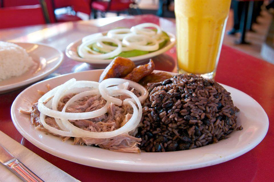 4 restaurantes cubanos en Los Ángeles